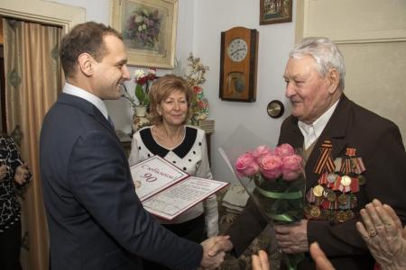 В Феодосии отметил 90 лет ветеран Великой Отечественной войны