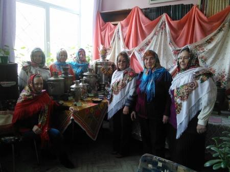 Выставка самоваров в Орджоникидзевской поселковой библиотеке