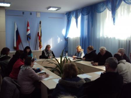 В поселке Орджоникидзе готовятся к курортному сезону