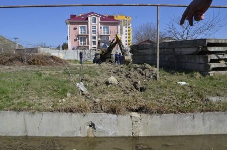 В поселке Коктебель продолжают борьбу с незаконными врезками