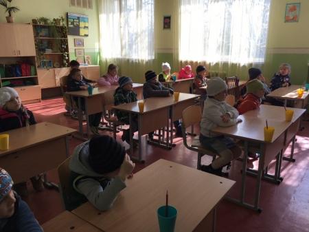 Маленьким феодосийцам провели экскурсию в школу