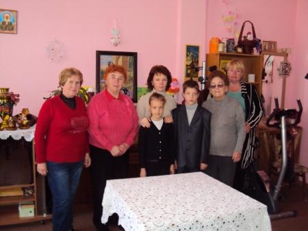 Воспитанники детской музыкальной школы №2 поздравили людей преклонного возраста