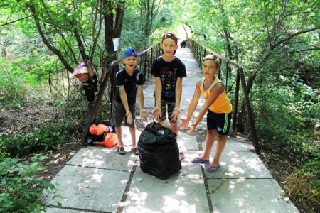 Жители поселка Щебетовка и села Краснокаменка поучаствовали в субботнике