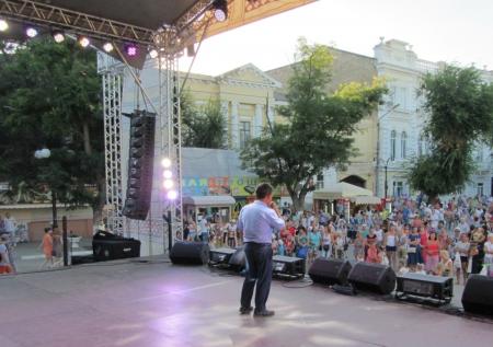 «Поющие сердца» – на сцене в Феодосии