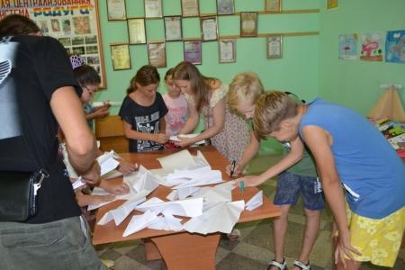 В Насыпном прошёл фестиваль бумажных самолетиков