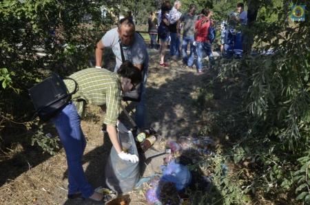 Экологический субботник в Феодосии (фото)