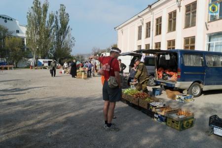 В Орджоникидзе прошла очередная расширенная продажа сельскохозяйственных товаров и продуктов их переработки, а так же продовольственных товаров