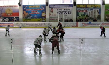 Симферопольская «Лагода» выиграла крымский отборочный турнир Ночной хоккейной лиги в категории «18+»