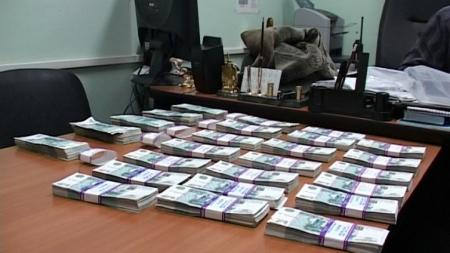 Следственные органы возбудили уголовное дело по факту дачи 1 млн руб взятки сотруднику МФЦ