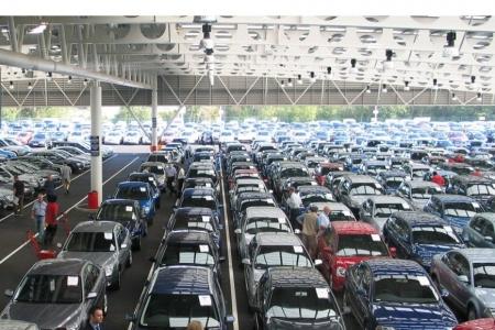 Продажи новых автомобилей в России упали в мае на 13%