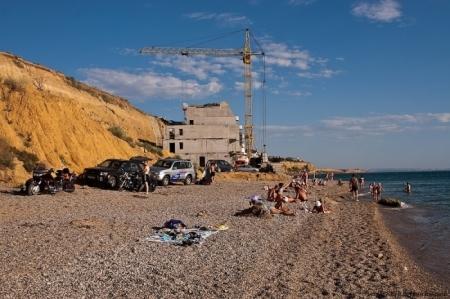Две рабочие группы определят объекты в 100-метровой прибрежной зоне, которые сохранятся после её зачистки – Аксёнов