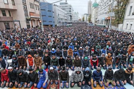 Мусульмане Крыма празднуют Курбан-байрам