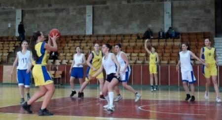 Шесть команд выступят в женском чемпионате Крыма по баскетболу сезона-2016/2017