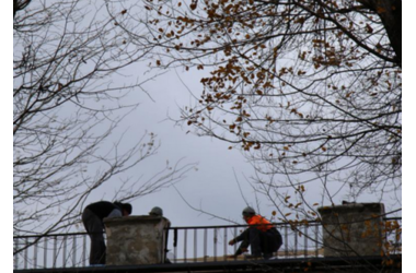 Парень 19-ти лет сорвался с крыши дома в Керчи