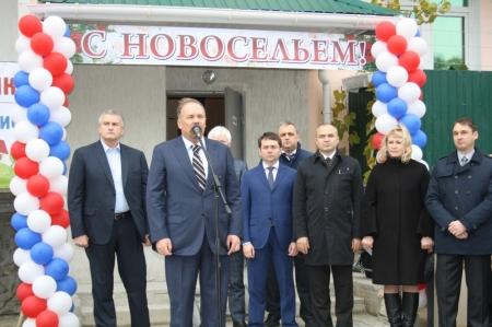 Недостатки квартир, выданных по программе переселения из аварийного жилья, будут устранены – Олег Казурин