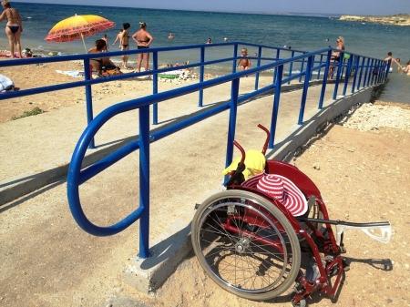 Феодосийские власти планируют обустроить для инвалидов один из пляжей за счёт инвестора