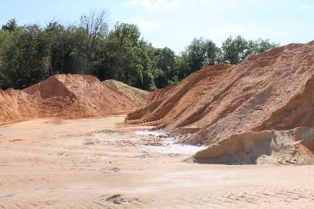 Ялтинские коммунальщики запаслись 500 тоннами песчано-соляной смеси – до конца года власти закупят еще примерно столько же