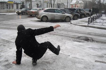 Число пострадавших из-за гололеда и снегопада, поступивших в Крымский центр травматологии и ортопедии, пока не увеличилось – главврач