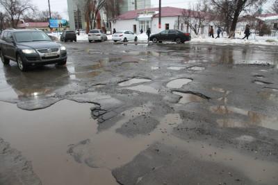 С Крымских дорог начал сползать асфальт