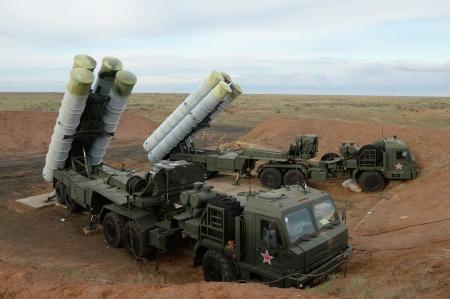 Вооружённый С-400 зенитно-ракетный полк заступил на боевое дежурство в Феодосии (Видео)