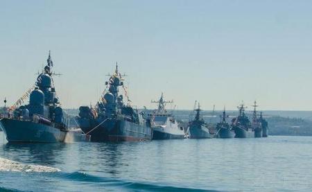 Корабли Черноморского флота выстроятся на рейде Феодосии в день 200-летия Айвазовского