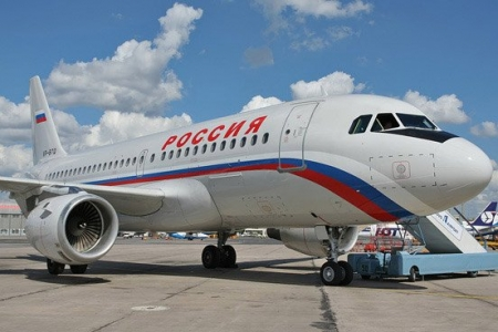 Летевший из Симферополя в Санкт-Петербург самолёт совершил посадку в Ростове-на-Дону из-за трещины в лобовом стекле
