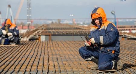 Шторма и холода не выбили строителей Крымского моста из графика