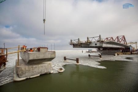 Монтаж пролетов Крымского моста на морские опоры со стороны Керчи начнется до конца марта