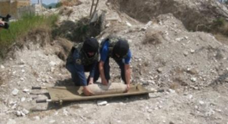 Пиротехники МЧС обезвредили фугасную бомбу в Ленинском районе Крыма