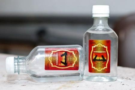 Сотрудники крымской полиции изъяли в ходе обысков более 85 тыс литров спиртосодержащего раствора
