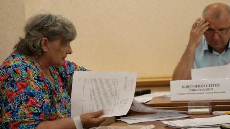Глава администрации города Феодосии провел прием граждан по личным вопросам